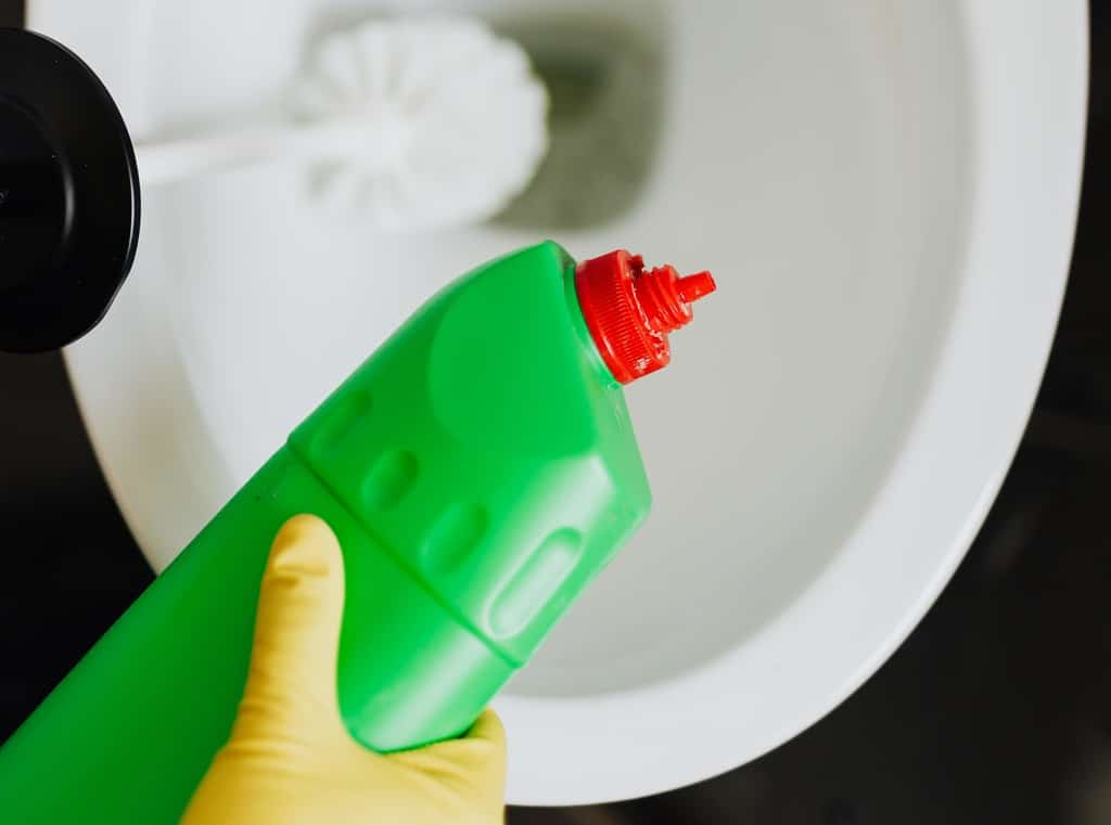 como-acabar-com-cheiro-de-esgoto-banheiro-dicas